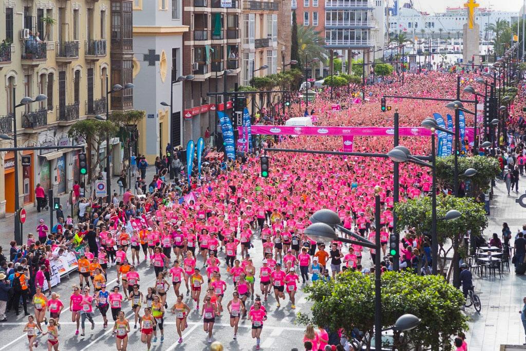 Carrera de la Mujer a favor de la lucha contra el cáncer. Valencia, 2015. Autor: runners.es